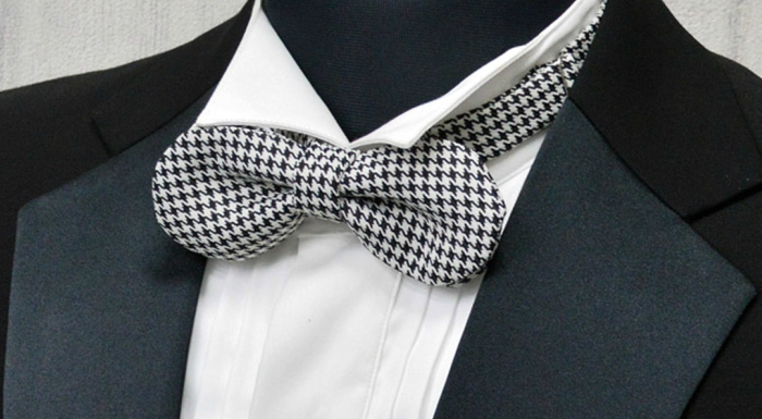 Rounded club bow tie
